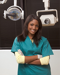 qualities of a dental assistant | dental assistant training
