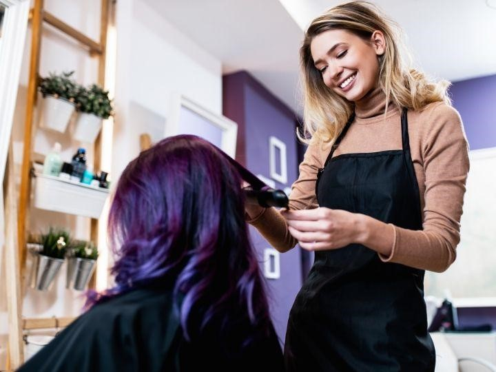 Steps to Become a Cosmetologist in Michigan